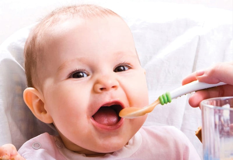 راهنمای جامع تغذیه نوزاد صفر تا یک ساله