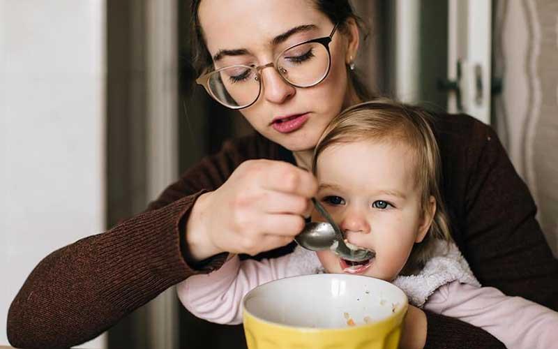مواد غذایی لازم برای افزایش هوش نوزاد